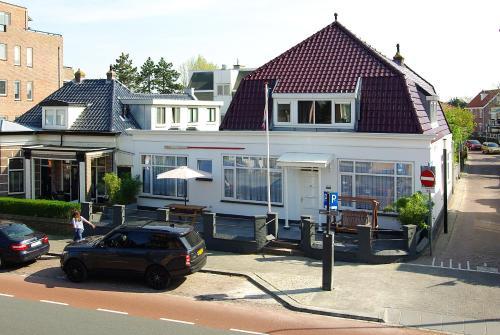 Zand, Pension in Zandvoort