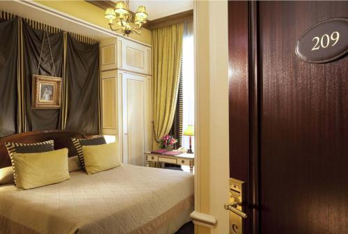 Hôtel Napoleon Paris photo 10