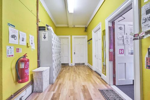Hootananny Hostel picture 1 of 23