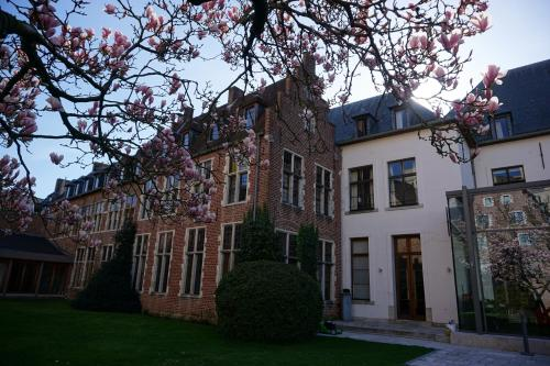Onze-Lieve-Vrouwstraat 18, 3010 Leuven, Belgium.