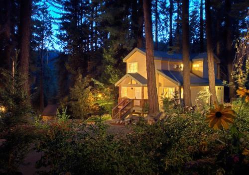 Tenaya Lodge Hotel Review, Yosemite National Park   Travel
