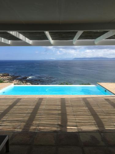 . La Petite Baleine Seaside Villa