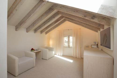 Junior Suite Can Simoneta - Adults Only 9