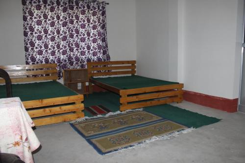 Habitación Compartida Mixta (Mixed Dormitory Room)