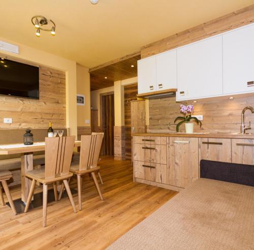 Appartement Zimmerhofer Deluxe - Apartment - Cadipietra / Steinhaus