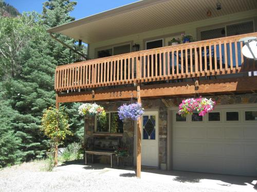 Bridal Veil Bed and Breakfast -ADULT ONLY - Ouray, CO 81427