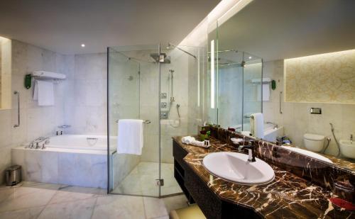 Bab Al Qasr Hotel photo 118