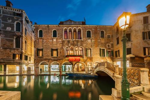 Cannaregio 5643 - 30131, Venice, Italy.