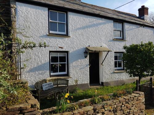 Blacksmiths Cottage, Lanteglos, Cornwall