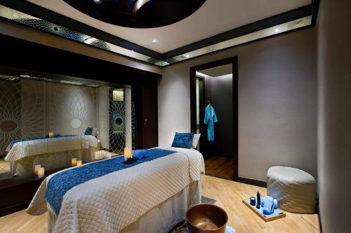 Bab Al Qasr Hotel photo 48