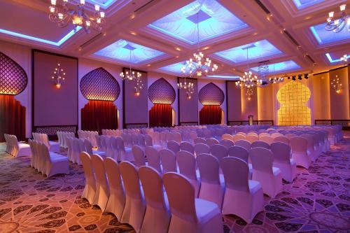 Bab Al Qasr Hotel photo 147