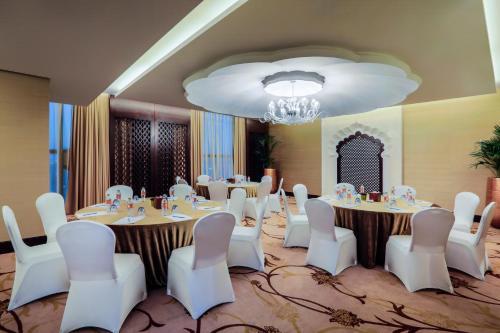 Bab Al Qasr Hotel photo 156