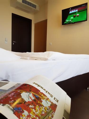 Hotel Pest Inn - image 5