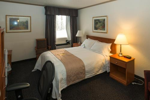 Lakeview Inns & Suites   Drayton Valley