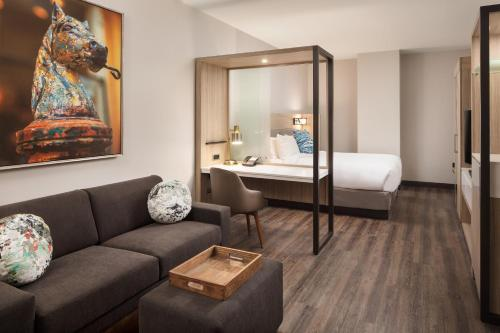 Springhill Suites By Marriott New Orleans Downtown Canal Street In