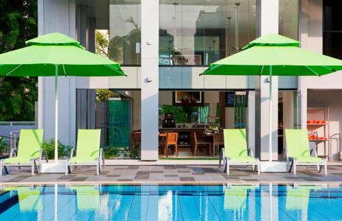 8 on Claymore Serviced Residences - By Royal Plaza on Scotts (SG Clean)