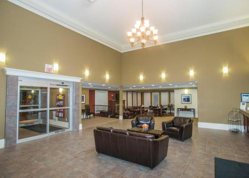 Lakeview Inns & Suites - Edson Airport West - Edson, AB T7E 1M1