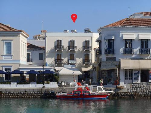 . Alexandris Hotel