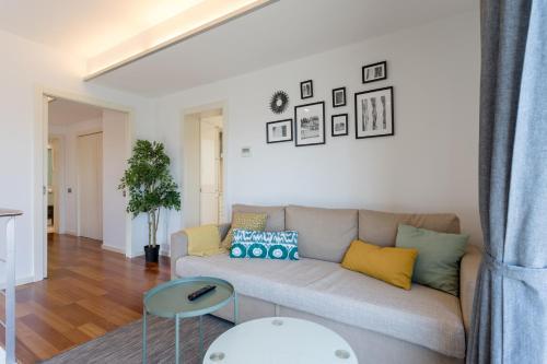 Unique Rentals - Placa Catalunya Central Apartments photo 36