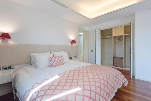 Unique Rentals - Placa Catalunya Central Apartments photo 41