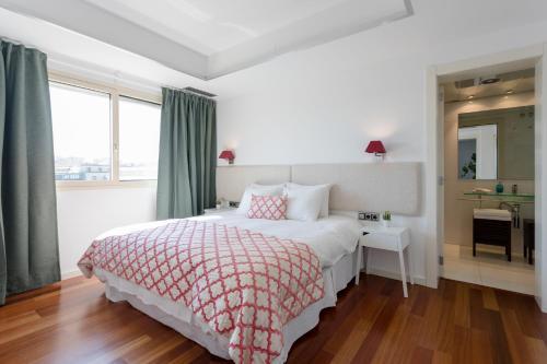 Unique Rentals - Placa Catalunya Central Apartments photo 42