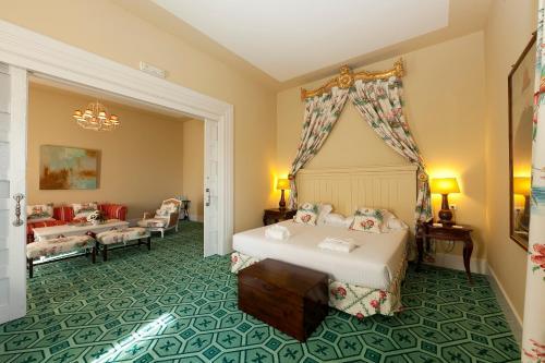 Deluxe Suite Palacio Urgoiti 15
