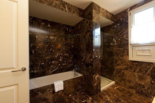 Deluxe Suite Palacio Urgoiti 1