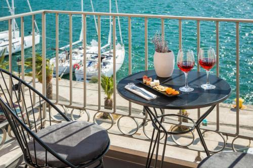 . Argostoli Marina Suites