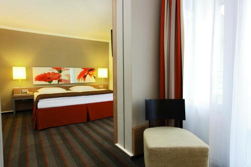 H4 Hotel Frankfurt Messe photo 19