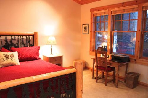 3137 Arrowhead - Four Bedroom Home