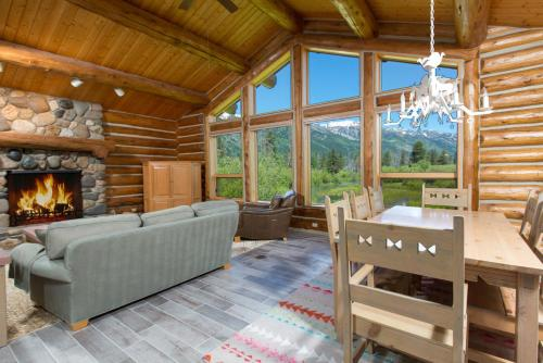 3770 Lake Creek - Three Bedroom Home
