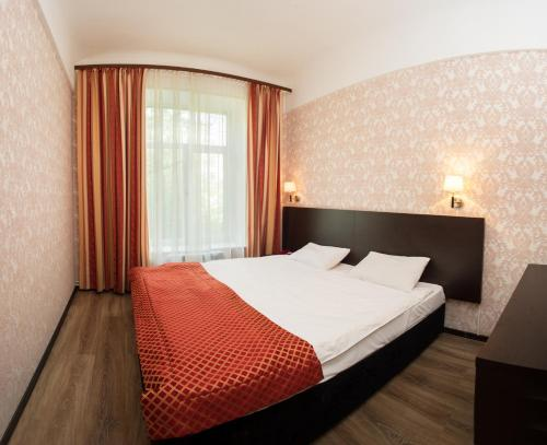 Pervomayskaya Hotel - image 5