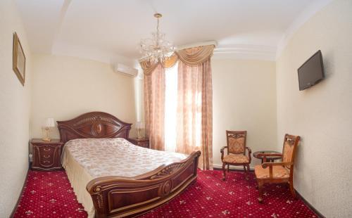 Pervomayskaya Hotel - image 9