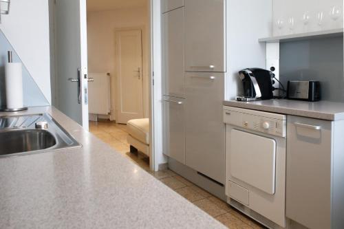 Prestige Vienna Apartment - image 5
