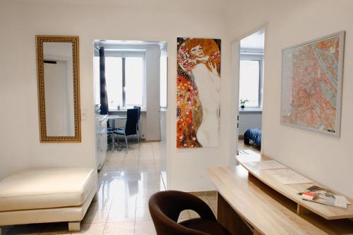 Prestige Vienna Apartment - image 1
