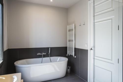 Casagrand Luxury Suites photo 95