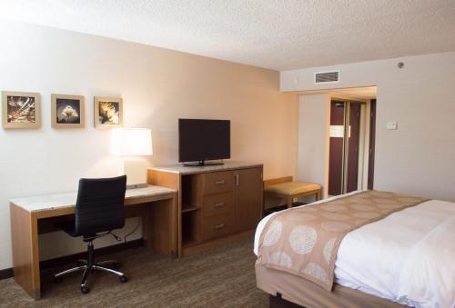 Photo - Radisson Hotel Detroit-Farmington Hills