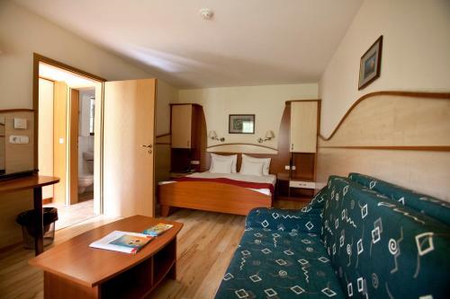 . Hotel Makár Sport&Atrium