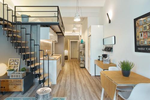 Urban District Apartments-Vintage Suites & Loft photo 54