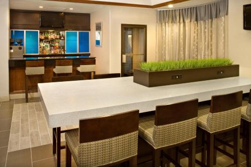 DoubleTree by Hilton Chicago-Wood Dale/Itasca - Itasca, IL IL 60191