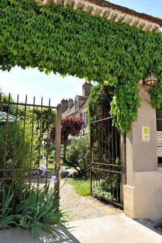 . Hôtel Restaurant Les Tilleuls