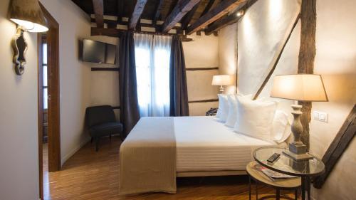 Habitación Doble - 1 o 2 camas Abad Toledo 28