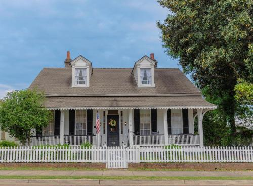 Riverboat Bed & Breakfast