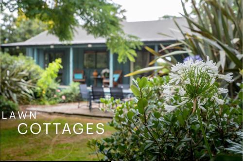 Lawn Cottages, Clive