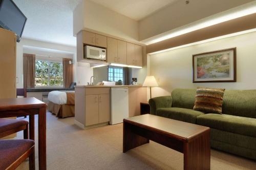 Microtel Inn & Suites By Wyndham Bloomington/Minneapolis - Bloomington, MN 55420
