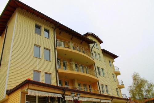 . Apartment Tarov