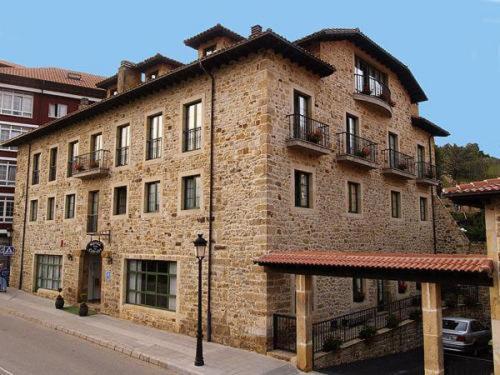 . Hotel Villa de Cabrales