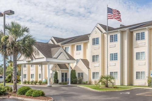 Microtel Inn & Suites by Wyndham - Carolina Beach