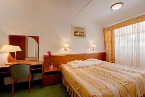 . Hotel Zajazd Piastowski