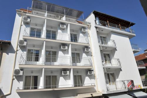Family Hotel Blazhi